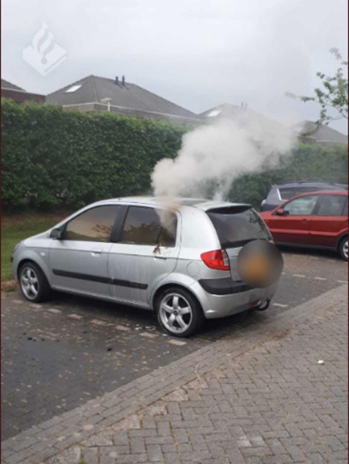 Een gestolen auto ging vanochtend in vlammen op.