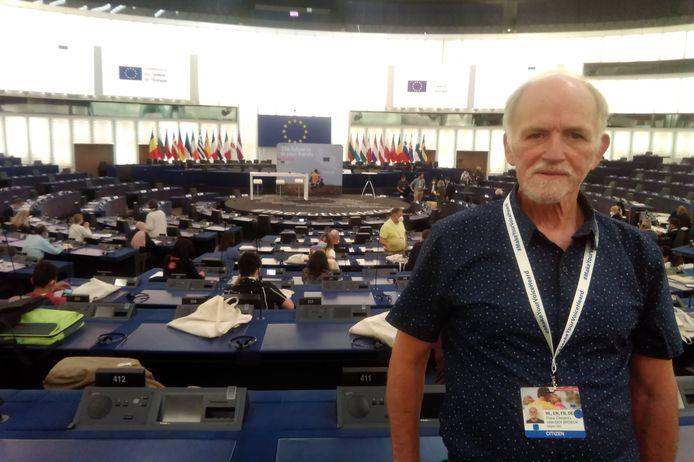 Cafébaas Frans Van den Broeck van 't Buitenbeentje in Impe maakt deel uit van het European Citizens Panel dat een visie over het Europa van 2050 uitzet.
