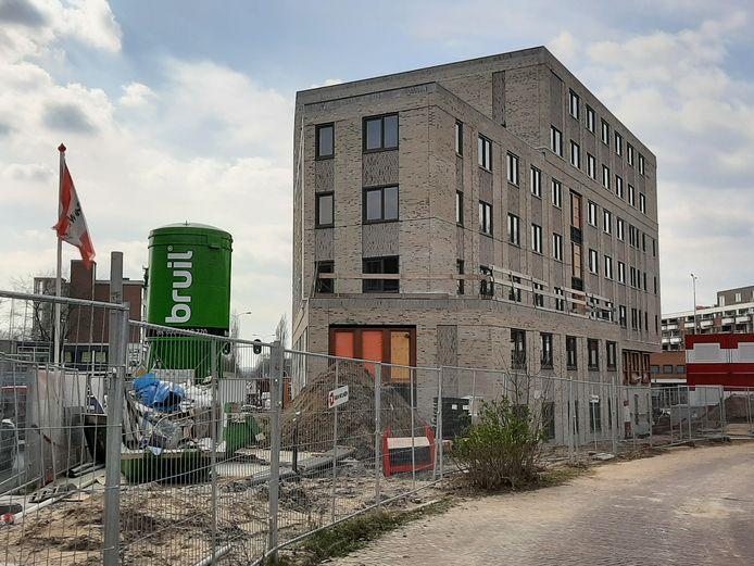 De nieuwbouw op terrein Kirpestein vordert gestaag.