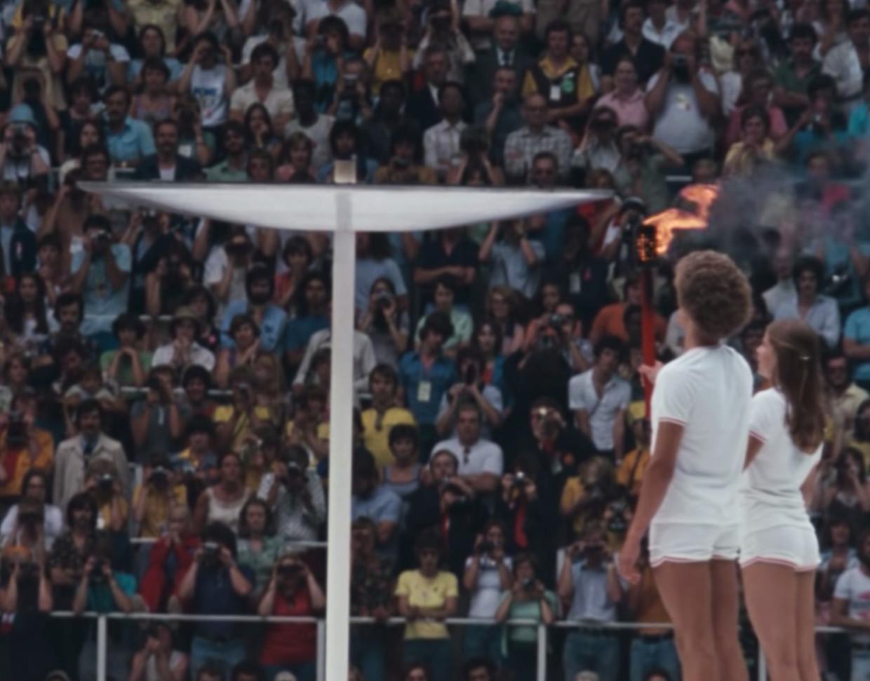 Montreal 1976. Sinds Leni Riefenstahl bedacht dat het ontsteken van de vlam een mooie introductie zou zijn van haar documentaire Olympia, begint menige official Olympic film met iets brandends. Beeld K2 / Filmstill