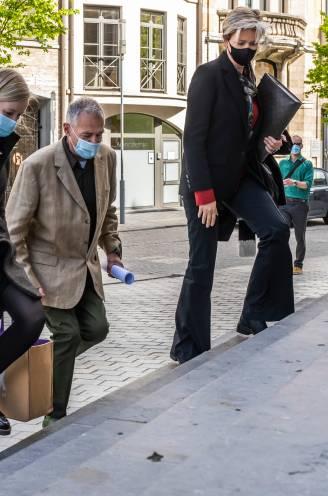 """""""Tine is gewoon in de steek gelaten"""": nieuw euthanasieproces van start tegen dokter Joris Van Hove"""