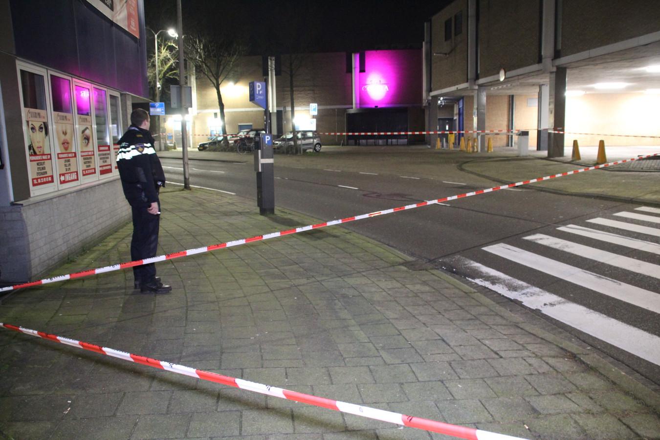 De omgeving van Club Cobra werd gisterenavond afgezet door de politie