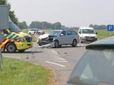 Auto's botsen op kruising tussen Ens en Kraggenburg, één persoon gewond naar het ziekenhuis