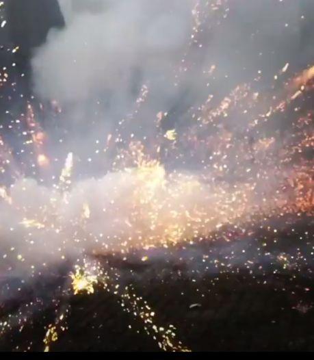 Auto met vuurwerk opgeblazen in Vlissingen. Buurtbewoner: 'Alsof er een bom heel hard afging'