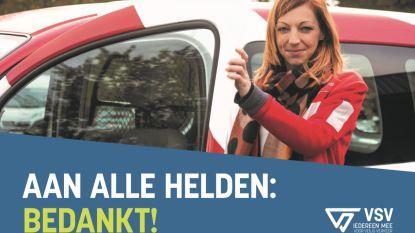 """Shara Nijs (33) uit Leopoldsburg kleurt wegaffiches als heldin van de post: """"Ook voor ons zijn het hectische tijden"""""""