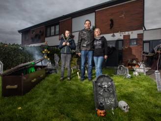 """Halloween-liefhebbers zien huwelijksfeest op 31 oktober in het water vallen: """"Volgend jaar dan maar groot feest met alles erop en eraan"""""""