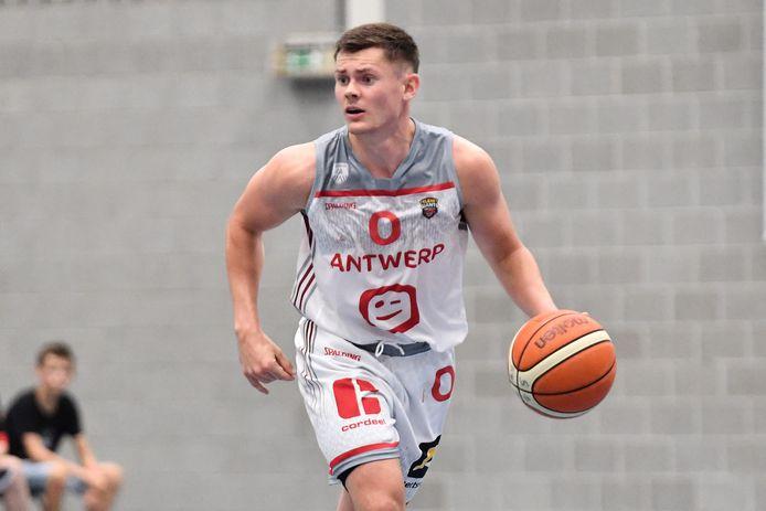 Elvar Fridrikkson was met dertien punten topschutter tegen Charleroi.