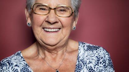 """Adi uit 'De Wereld Rond Met 80-jarigen' wil sterven zoals ze geleefd heeft: """"Géén treurnis op mijn uitvaart"""""""