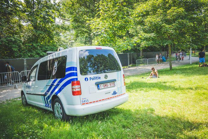 Ook de politie houdt toezicht aan de Blaarmeersen
