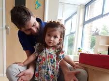 Sara laat ons en de artsen keer op keer versteld staan: ze staat!