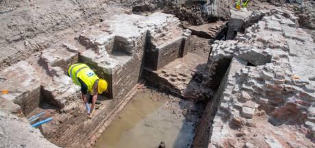 Archeologen vinden munitiekelder van de Hertog van Gelre in Harderwijk