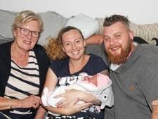Baby Emma is de 45.000ste inwoner van Veldhoven
