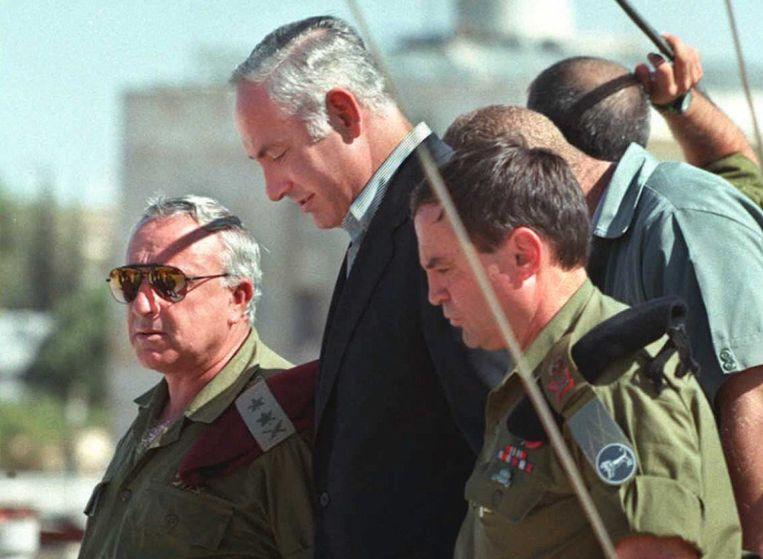 Benjamin Netanyahu in 1996, tijdens zijn eerste ambtstermijn als premier. Beeld AFP