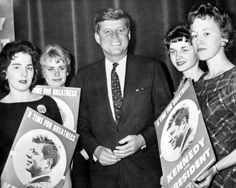 'John F. Kennedy liet zich iedere dag een jong meisje serveren: studentes, callgirls, meisjes die fanmail schreven... Hij had speci aal iemand in dienst die ze voor hem uitzocht.' Beeld © Underwood Archives