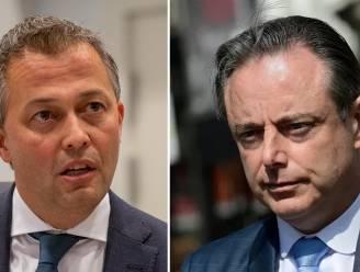 """Lachaert wil conflict met De Wever uitpraten na bijna vier maanden radiostilte: """"Ik ben niet boos op hem"""""""
