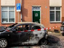 Auto op invalidenparkeerplaats volledig verwoest: 'Zo veel geluk dat de tank bijna leeg was'