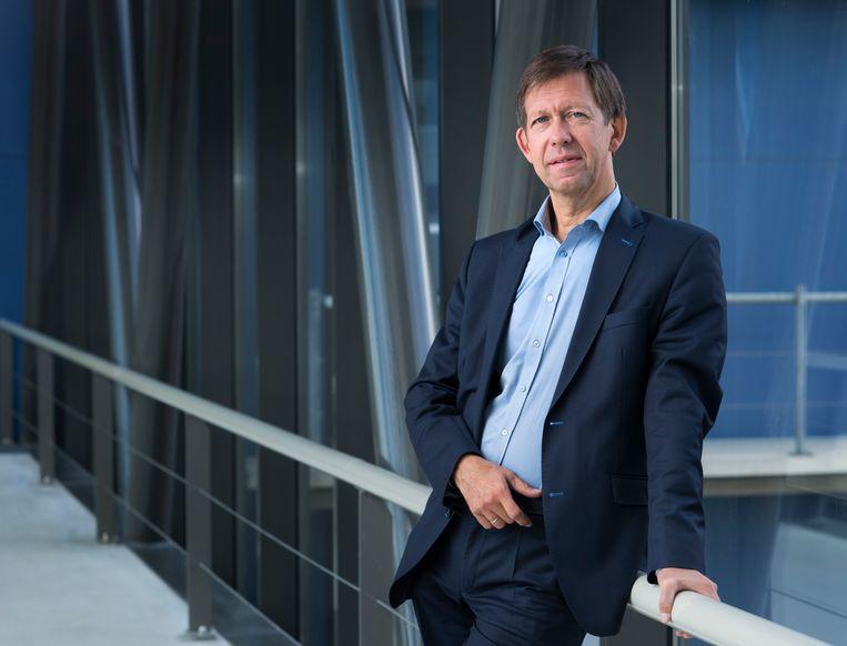 Hoogleraar virologie Louis Kroes (LUMC). Beeld Marc de Haan