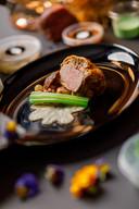 Hoofdgerecht: Ossenhaas in bladerdeeg | Shiitake | Selderij | Runderjus | Bacon | Zilverui