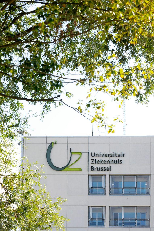 In het UZ Brussel zijn ondertussen vijftig zelfstandige artsen in dienst. Beeld BELGA
