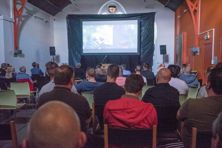 De gedetineerden konden de gangsterfilm exclusief bekijken.