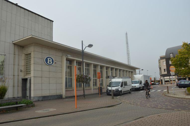 In de buurt van het station van Denderleeuw starten na het bouwverlof enkele ingrijpende werken.