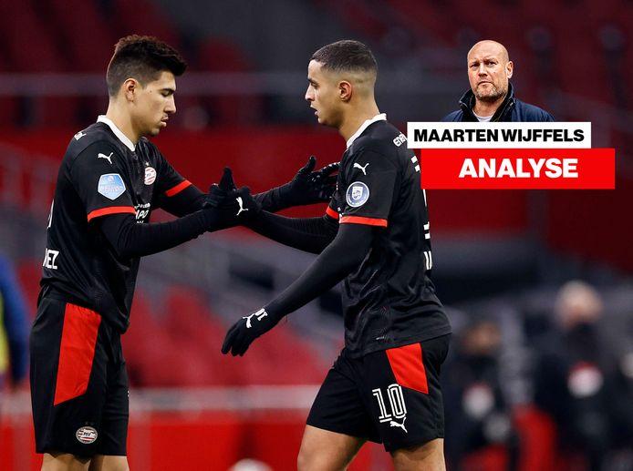 Mohamed Ihattaren (r) is dan wel en dan weer geen basisspeler bij PSV. Hij deed 15 keer mee, maar slechts twee keer negentig minuten. Hier wordt hij gewisseld voor Erick Gutiérrez.