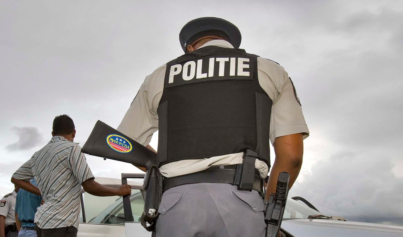 Politie in Suriname.