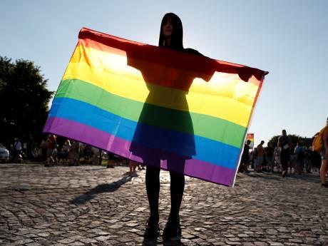 """La loi hongroise anti-LGBTQI """"est une honte"""", estime la Commission européenne"""