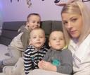 Zus Katarzyna Karasiewicz (31) met haar drie zoons.