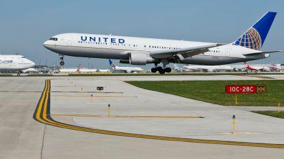 United smijt passagier van vlucht en schenkt haar in ruil geen cash maar wel 10.000 dollar aan reiskrediet