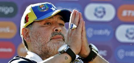 """Le traitement """"inadéquat"""" de Maradona qui l'a conduit à une lente agonie"""