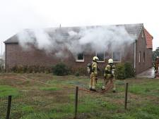 Keuken brandt volledig uit in Geffense woning, bewoner naar het ziekenhuis