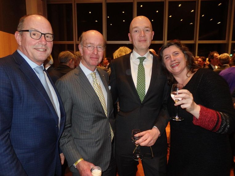 Team Amstelveen: sportwethouder Peter Bot en burgemeester Bas Eenhoorn, met raadslid Cees 'Eco Cees' Eenhoorn en Irene Hemelaar,