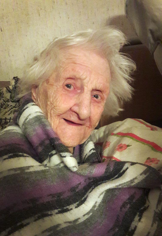 Frau Meessen: voor een rolstoel is de laatste Moresnetter te trots. Beeld TRBEELD