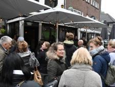 Run op 'kaarten' 11-11 leidt tot grote wachtrijen: Oeteldonk draait nu al door