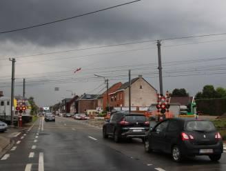 Van maandag tot en met woensdag enkele rijrichting op Wichelsesteenweg ter hoogte van spooroverweg aan 't Kofschip