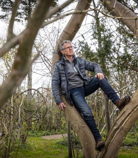 Het levenswerk van bomenknoper Henk: een museumbos in de eigen achtertuin in Volthe