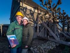 Oude huis zakt weg en wordt gestut, maar nieuw huis bouwen mag niet: 'Bizarre situatie in Halsterse polder'