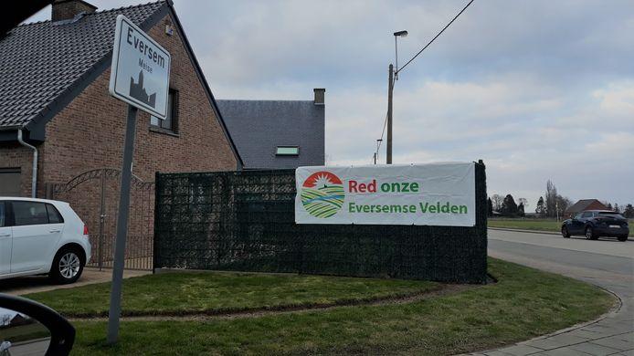 Het actiecomité Red Onze Eversemse Velden wil de bouw juridisch aanvechten.