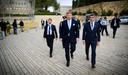 Blokhuis arriveert samen met koning Willem-Alexander bij Yad Vashem in Jeruzalem