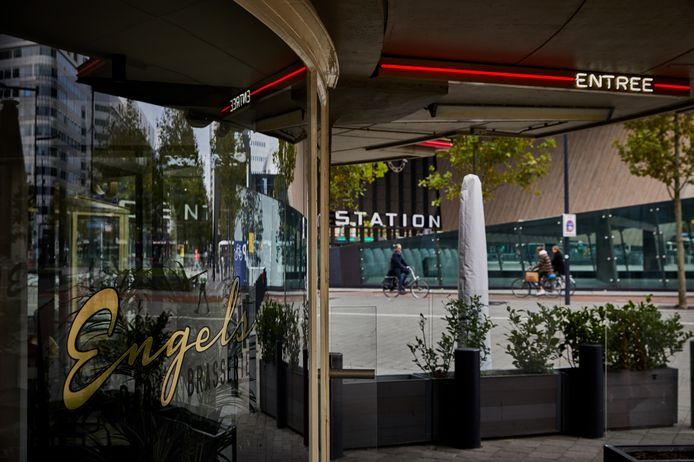 Nederland, Rotterdam, 13/10/2020  Restaurant Engels in het Groothandelgebouw, de zaak is sinds de eerste lockdown niet meer open gegaan.    foto Jan de Groen