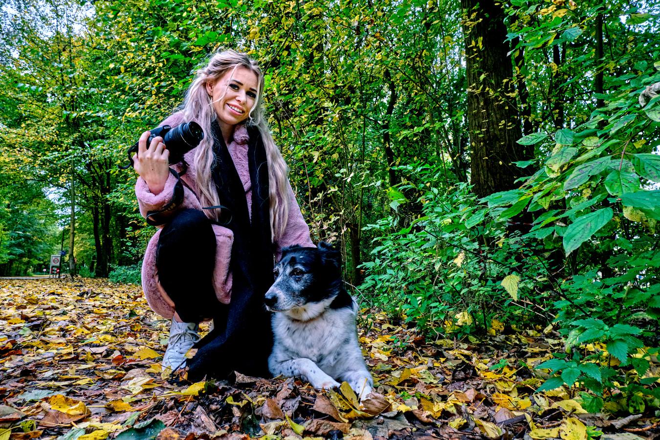 Patty van de Ree met haar eigen hond Nifica. Ze is zo gek op fotografie én dieren, dat ze die twee combineerde voor haar eigen bedrijf.