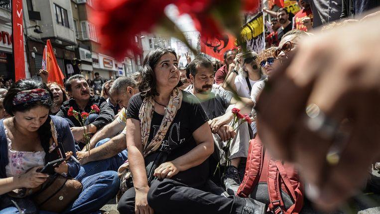 Vorige week nog herdachten familieleden en medestanders het bloedig neerslaan van het protest in het Gezipark. Beeld AFP