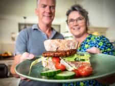 Echtpaar uit Tilligte bedenkt de shiitakeburger: 'Je proeft het verschil met een echte hamburger niet'