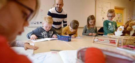 Basisschool in Markelo draait de rollen om: 'Ik besef me dat lesgeven heel dankbaar werk is'