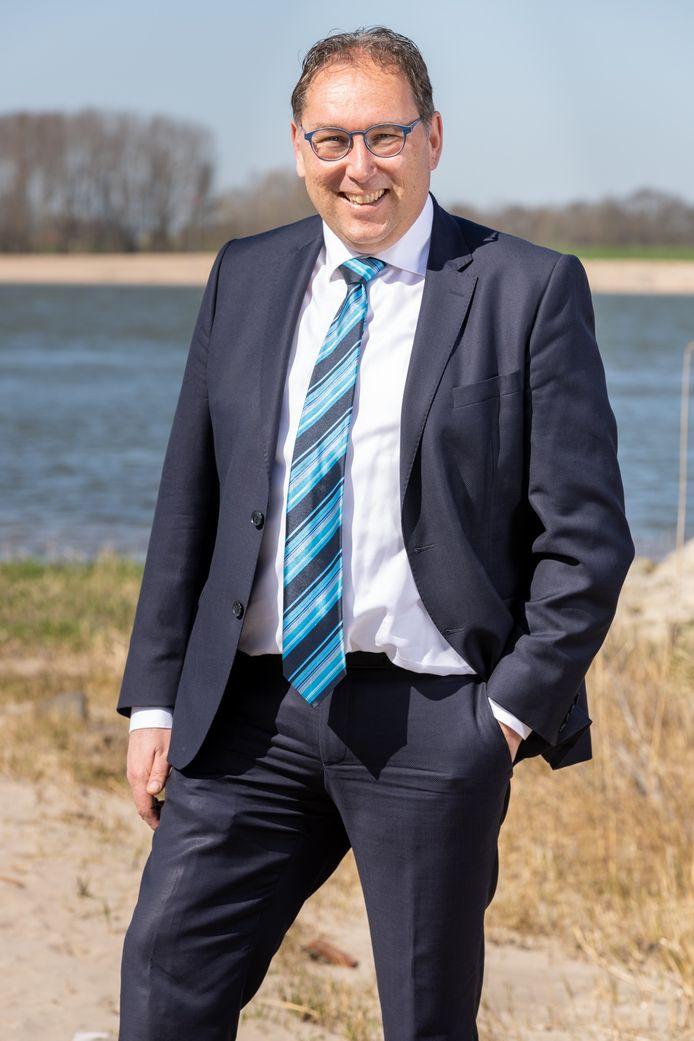 Peter-Jan van Steenbergen volgt Cees van der Vlist op in Kinderdijk.