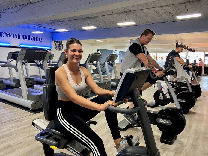 Aline Vermeiren (24) uit Zoersel is blij dat ze weer naar de fitness kan