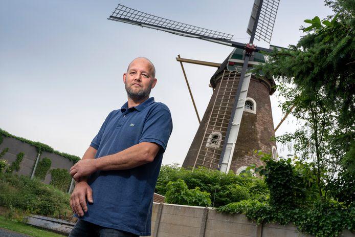Patrick Heijmans van de Korenmolen vlak langs de snelweg.