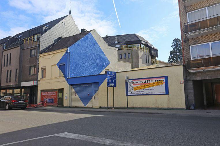 Het gebouw van schildersbedrijf Pollet in de Nieuwstraat ruimt plaats voor een nieuw woonblok met 11 appartementen.