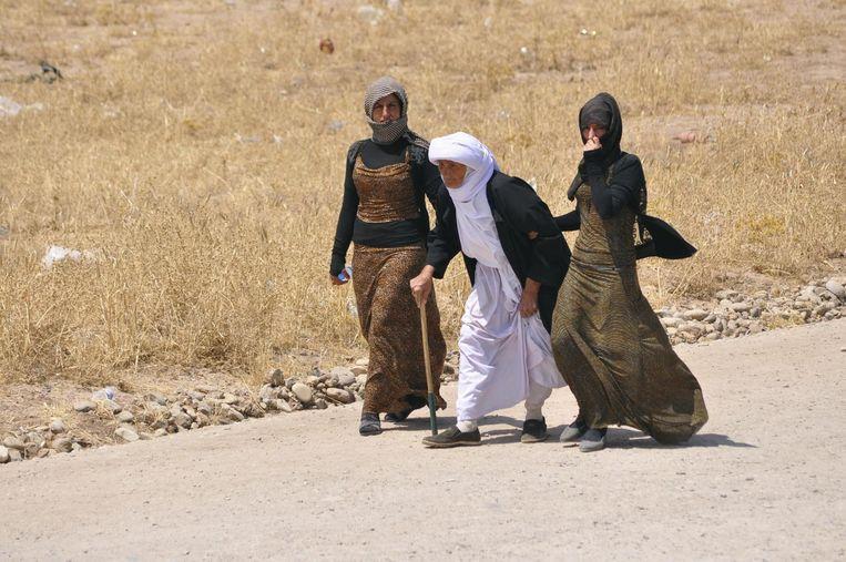 Drie leden van de Yezidi-minderheid in Sinjar Beeld reuters